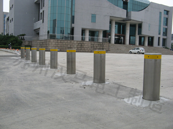 行政中心广场升降柱